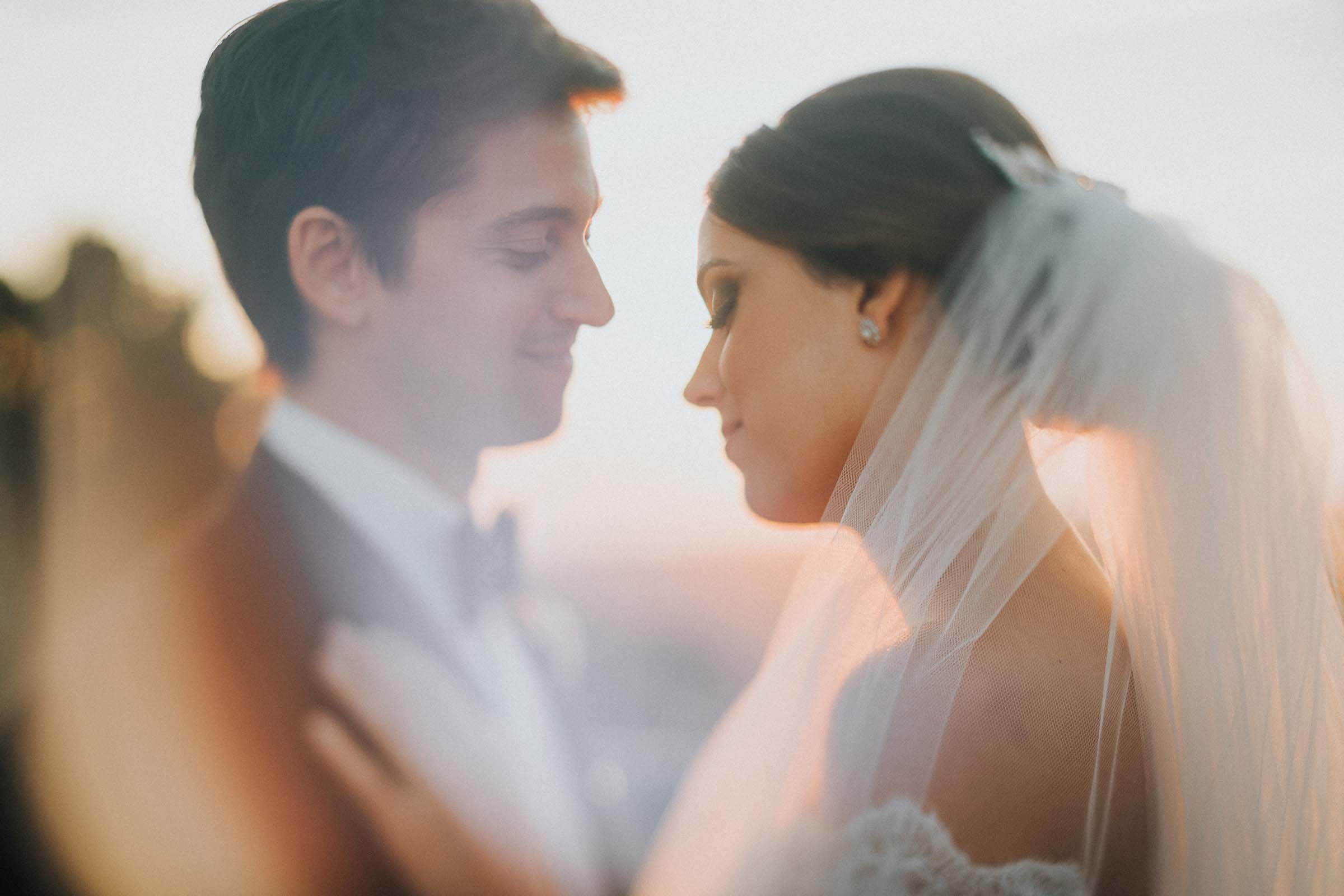 freelens technique of a beautiful couple during sunset
