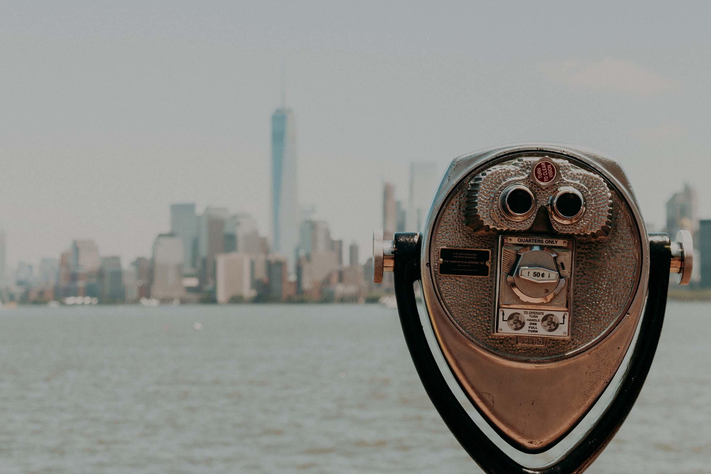 binoculars manhattan view